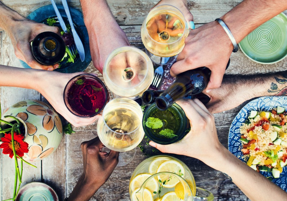 Top 10 Foods to Eat Before Drinking Alcohol to Swerve a Hangover