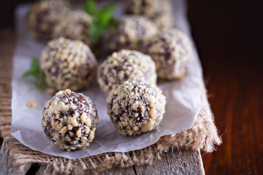 White Chocolate Fudge & Peanut Butter Protein Truffles