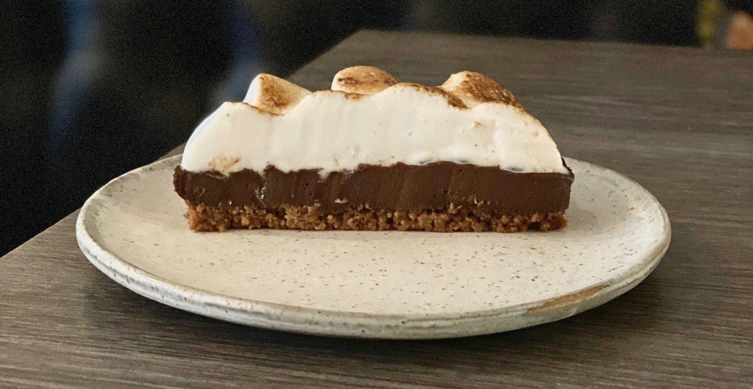 Vegan Chocolate & Meringue Pie