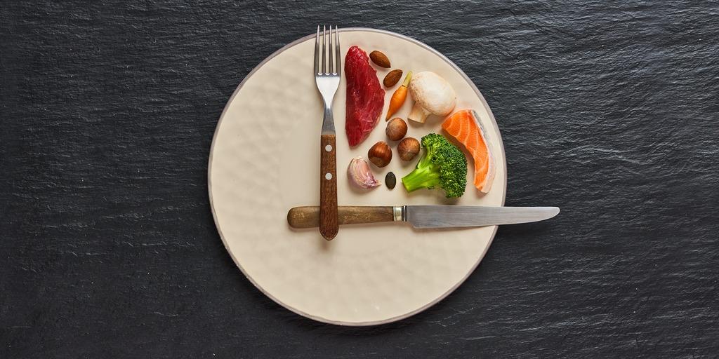 ¿Qué es la Dieta 16:8? Nuestra guía de ayuno intermitente para bajar de peso