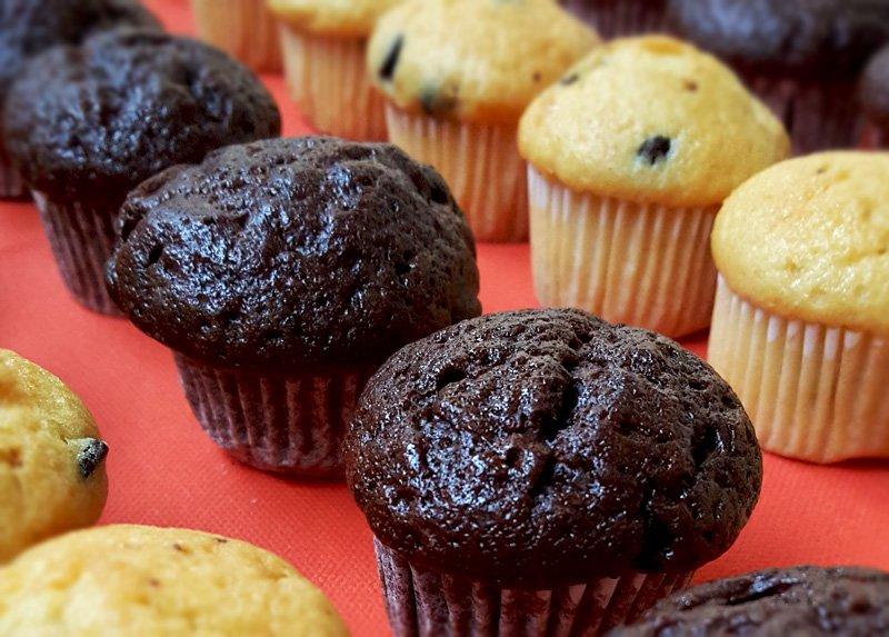 Muffin Soffici Alla Vaniglia Con Cuore Di Crema Di Nocciola