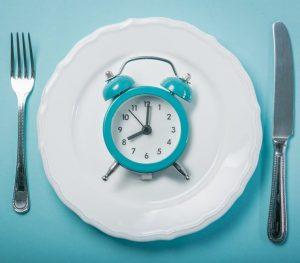 bienfaits d'un petit-déjeuner protéiné et jeune intermittent